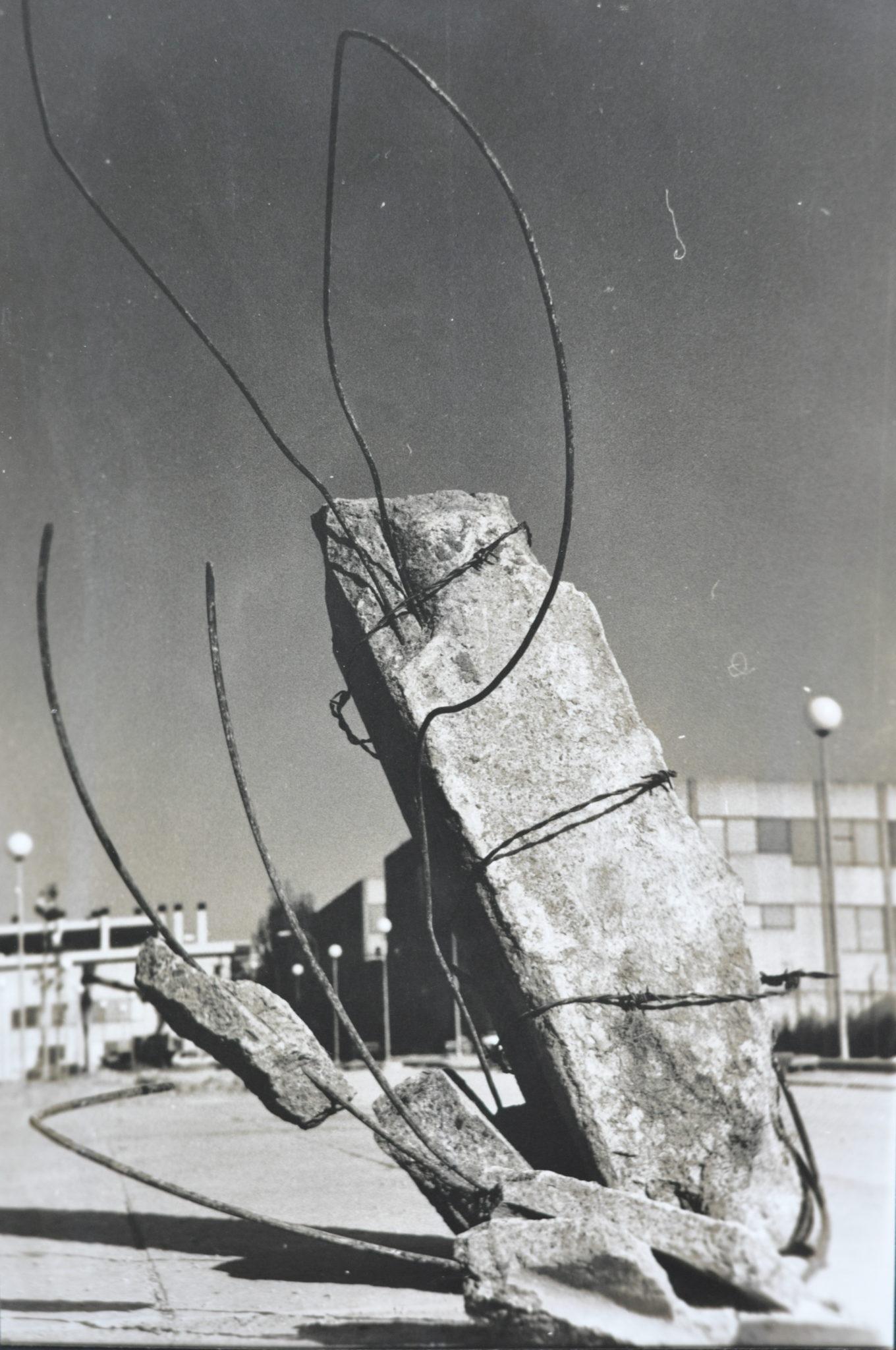 Bego Otero,escultura Resilencia racial, 1999